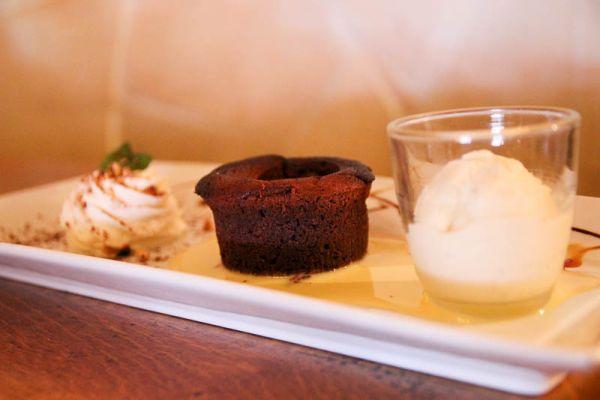 dessert-coulant-chocolat-lou-paisCFDE3569-9790-3944-D503-24A26746DF80.jpg